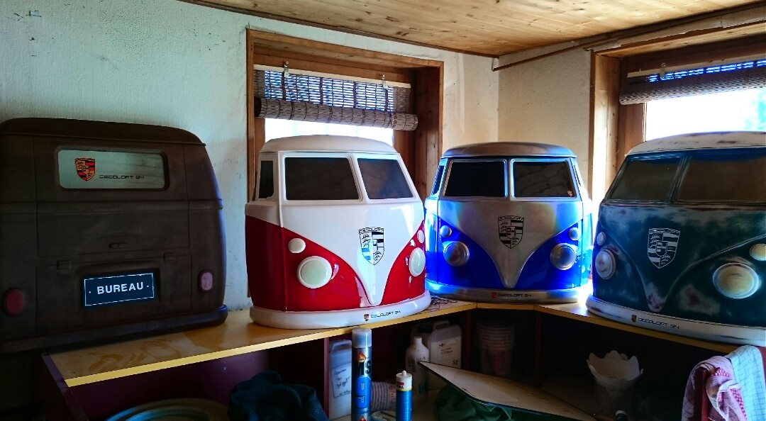 Decoration loft decoration murale automobile loft voiture for Decoration maison automobile